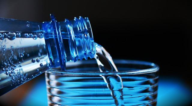 minerální voda.jpg