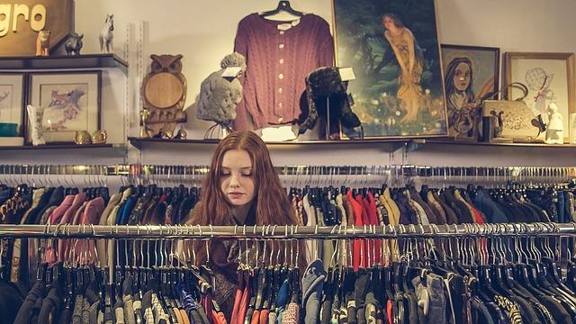 nakupujúce dievča.jpg