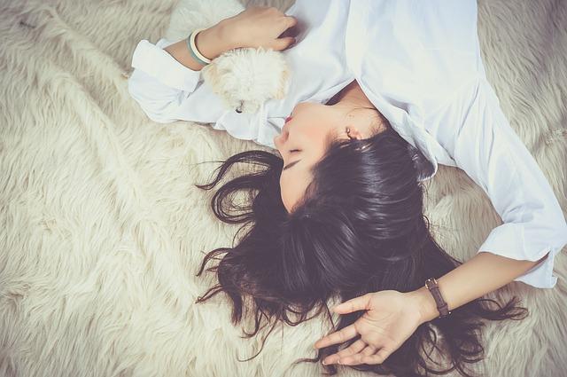 Spiaca žena.jpg