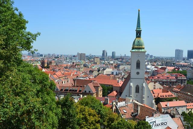 Výhľad z Bratislavského hradu.jpg