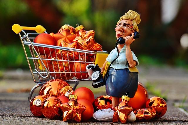 Zákazníčka zavalená nákupmi.jpg