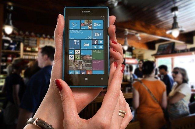 Mobil Nokia.jpg