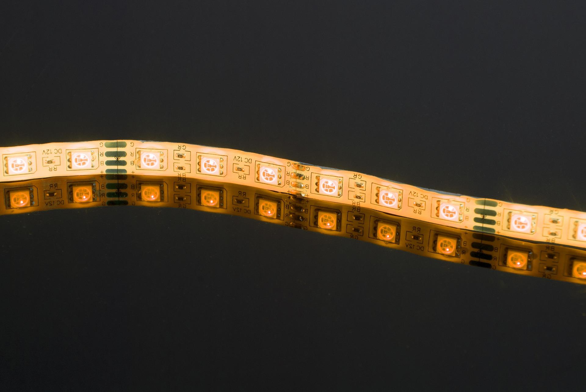 led-3405141_1920
