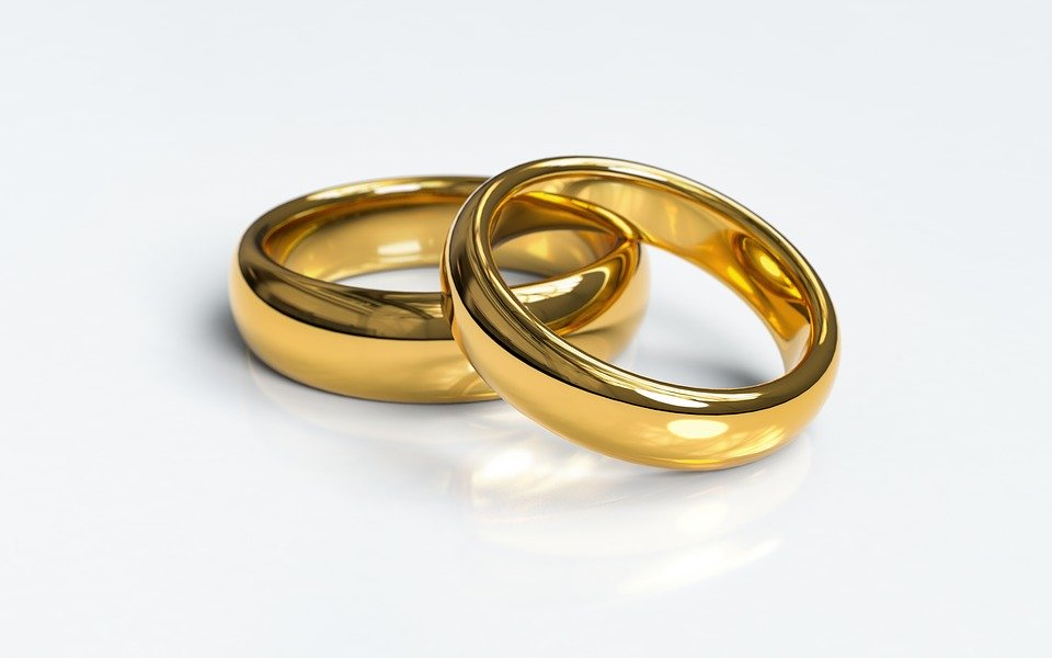 wedding-rings-3611277_960_720